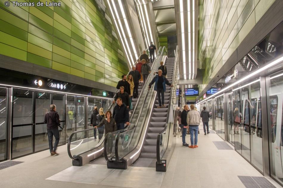 Frederiksberg Allé station i grøn udsmykning