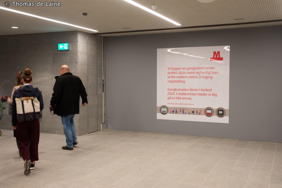 Skilt foran kommende gangtunnel ved København H